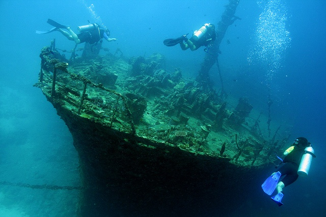 A Shipwreck dive! --- completed! (2010)