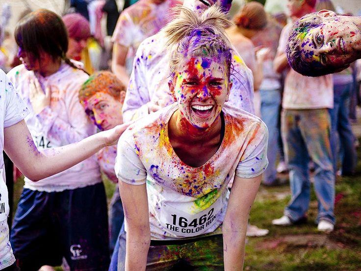 """No domingo, dia 14, BH recebe uma das corridas mais divertidas já inventadas, a """"The Color Run""""."""