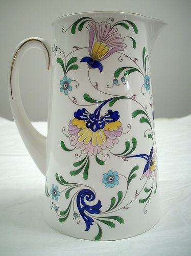 COALPORT BONE CHINA MADE IN ENGLAND PAGEANT PATTERN 40 OZ. JUG PITCHER