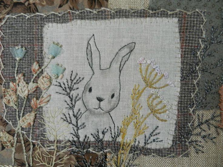 Dans un tout autre genre j'ai dans mon atelier un lapin malin et puis,une collection de...