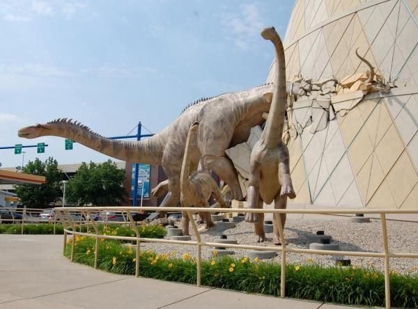 10 great things to do with kids in Indianapolis: http://www.midwestliving.com/travel/indiana/indianapolis/top-10-things-to-do-with-kids-indianapolis/