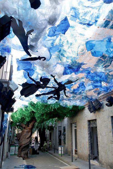 Аренда апартаментов в Барселоне и Каталунии. Встреча в аэропорту. Нестандартные экскурсии. Лучший отдых!  http://barcelonafullhd.com/ Festival de Gracia 2011 - Carrer Fraternitat