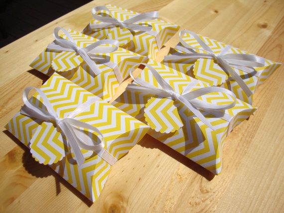 Chevron Pillow Boxes Yellow Qty 10 Party by CreativeHolidays $7.50 & 64 best pillow boxes images on Pinterest | Pillow box Boxes and Gifts pillowsntoast.com
