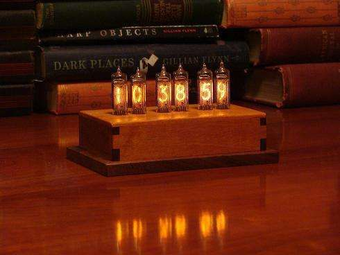 Cutting-Edge Old Clocks - Fred Niell's Indicator-6 Nixie Clock Blends Retro & Nouveau (VIDEO)