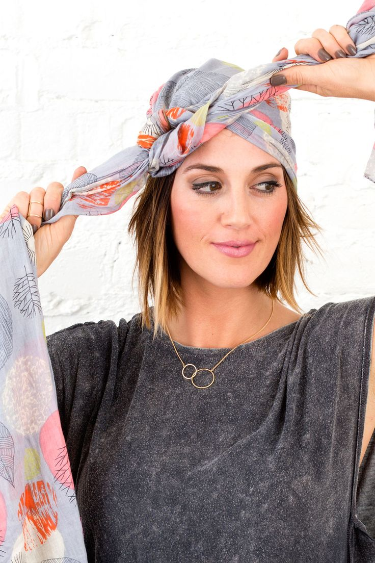 Follow this tutorial to style your hair with a blanket scarf.