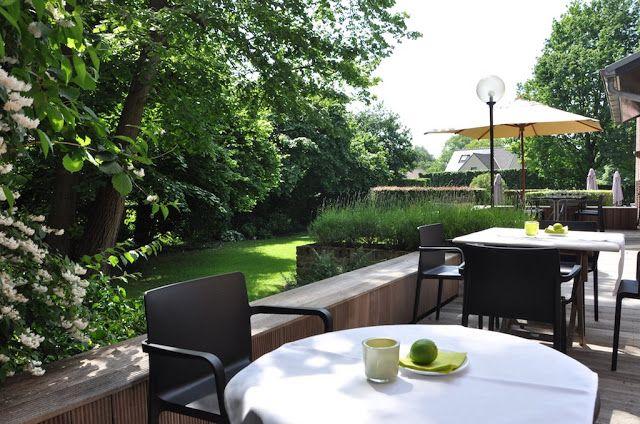 Bij mooi weer is het heerlijk vertoeven op één van onze terrassen. | Aldeneikerhof | Restaurant - Hotel | Maaseik