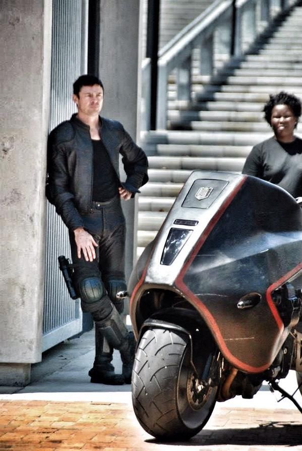 Karl Urban on the set of Dredd