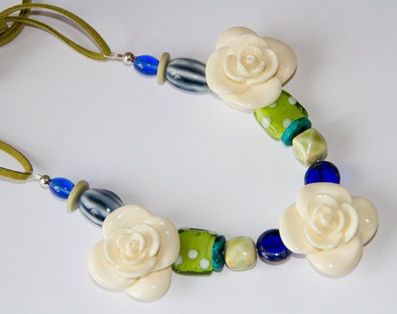 Beaded rose necklacebeadwork necklaceflower by Deliciousbits, £15.85