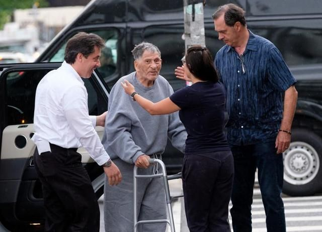 100-year-old mobster John Franzese released from federal prison