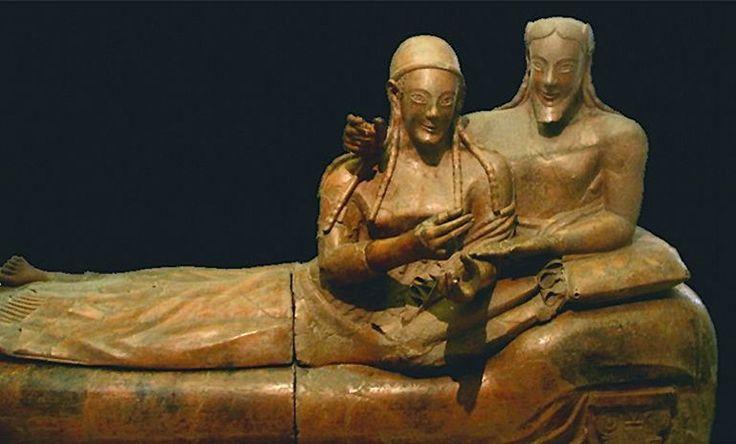 Саркофаг с изображением семейной пары. Терракота. 530-520 гг. до н.э.