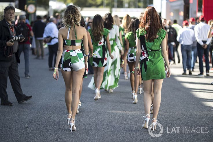 Grid girls,