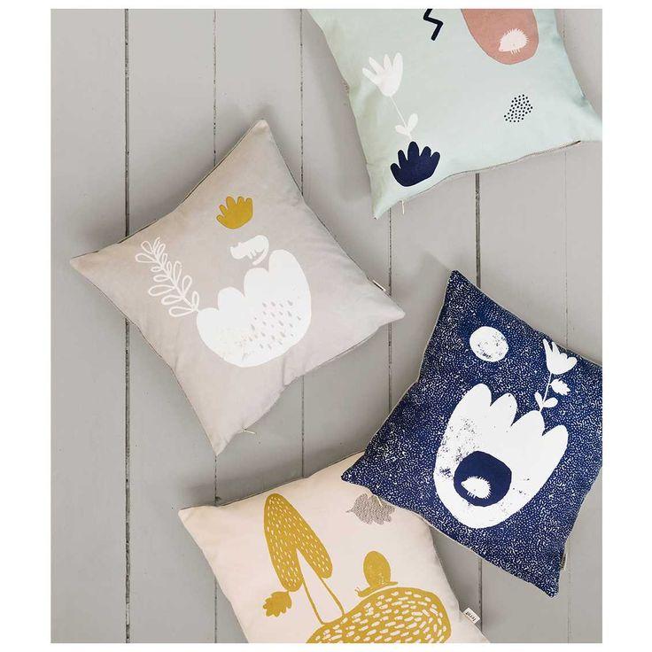 Bij #MisterDesign shop je de leukste #kinderkussens met een speels ontwerp, printje en de mooiste kleuren. Zoals bijvoorbeeld de nieuwe kussens van #fermliving!   Ferm Living Landscape Kussen Mint | MisterDesign