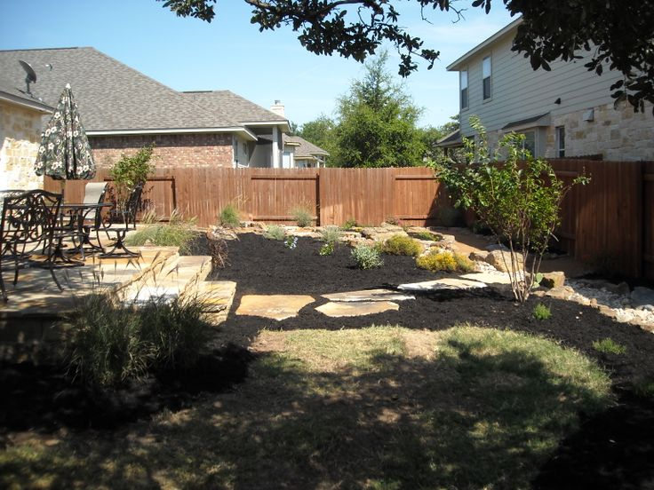 backyard landscape - large flagstone