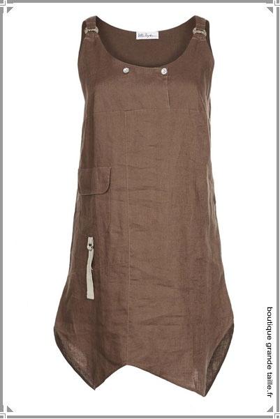 Superbe tunique en lin asymétrique et sans manche disponible en grande taille du 44 au 62. Un article été agréable à porter.