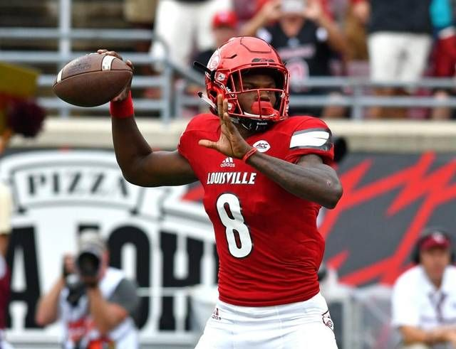 Michael Vick Tweets Incredibly High Praise For Lamar Jackson