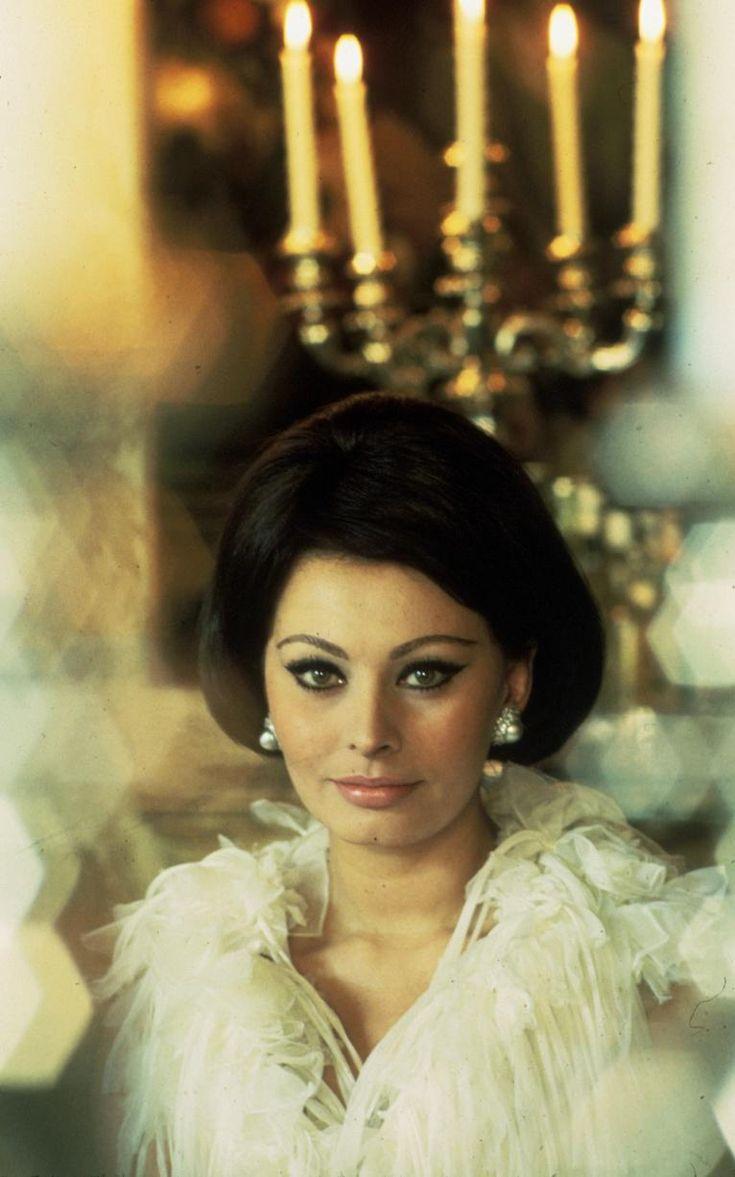 Sophia Loren in pearl earrings in Countess of Hong Kong in 1967