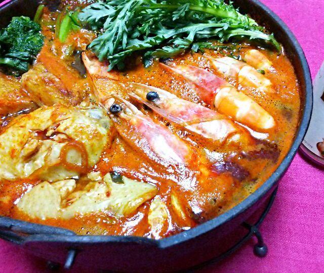 韓国料理大好きで、冬はチゲ鍋、スンドウブ、キムチ鍋を週一食べています。 発酵食品を毎日食べるように心がけてます♪ - 106件のもぐもぐ - 簡単チゲ鍋♪お友だちからマッソンセンをいただいて~(*´∀`) by ゆっこ