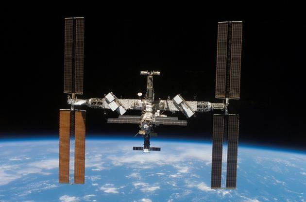 La station spatiale internationale (ISS) est habitée depuis 16 ans. Pour célébrer cela, la NASA propose un résumé de son histoire en 16 gifs.