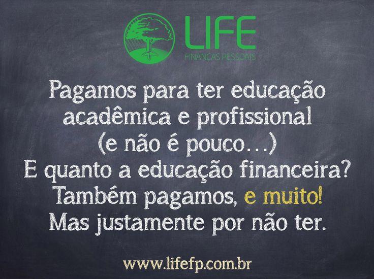 Pagamos para ter educação acadêmica? Sim. E educação profissional? Sim (e não é pouco…). E quanto a educação financeira? Também pagamos, e muito! Mas justamente por não ter. Quer descobrir quanto vale ter um planejador financeiro? Quer descobrir o quanto custa não ter...? #lifefp #finanças #educaçãoFinanceira #vida