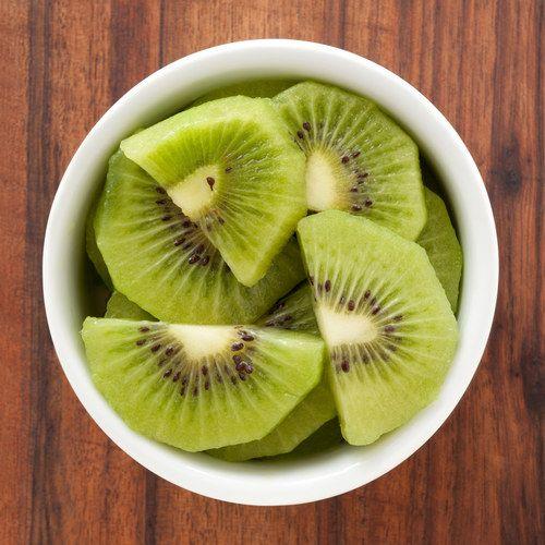 Le kiwi, un super apport en vitamine C et en fibres.