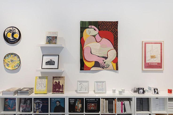"""Picasso Pop-Up Shop"" at Gagosian Davies Street, London is closing this Saturday, June 3.  Featuring all things Picasso, this pop-up includes a selection of rare illustrated books, historically important reference books, catalogue raisonnés, monographs, and museum exhibition catalogues on the artist curated by Gagosian's rare-book specialist Douglas Flamm. Click on the link in our bio for more information.  #PabloPicasso  #MinotaursandMatadors  #PicassoPopUp  #GagosianDaviesSt…"