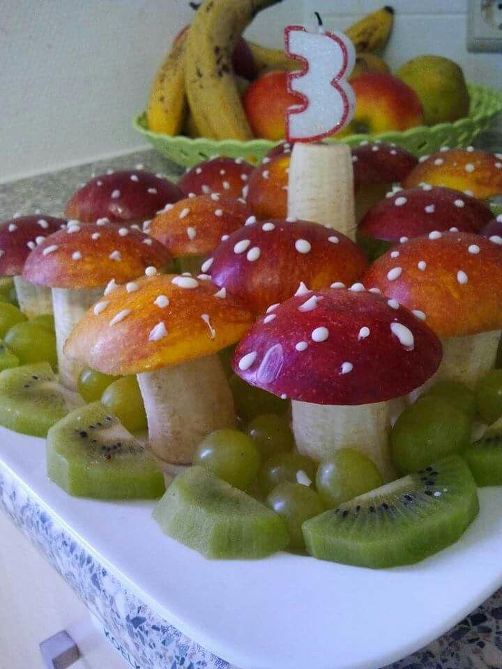 Herfst paddenstoelen trakteren Gezonde traktatie van banaan en appel