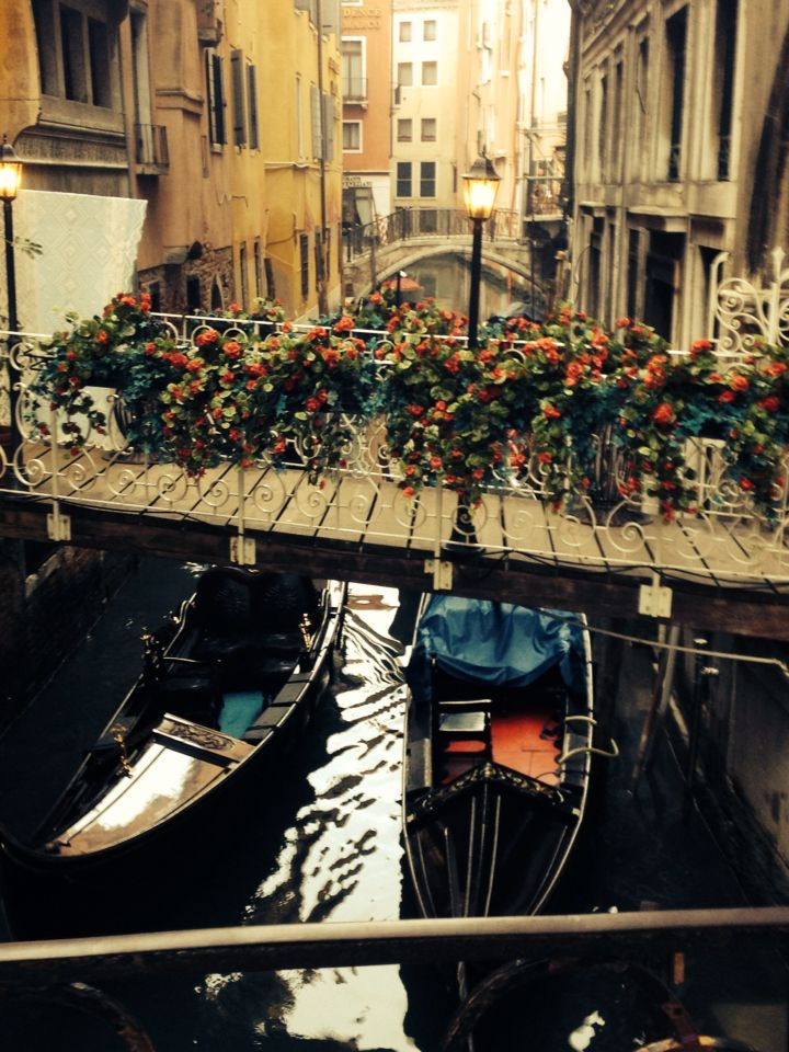 Possibly my favourite picture from Venice. So beautiful! Pretty bridge and gondolas Venice