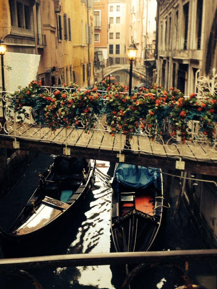 Possibly my favourite picture from Venice. So beautiful! Pretty bridge and gondolas Venice