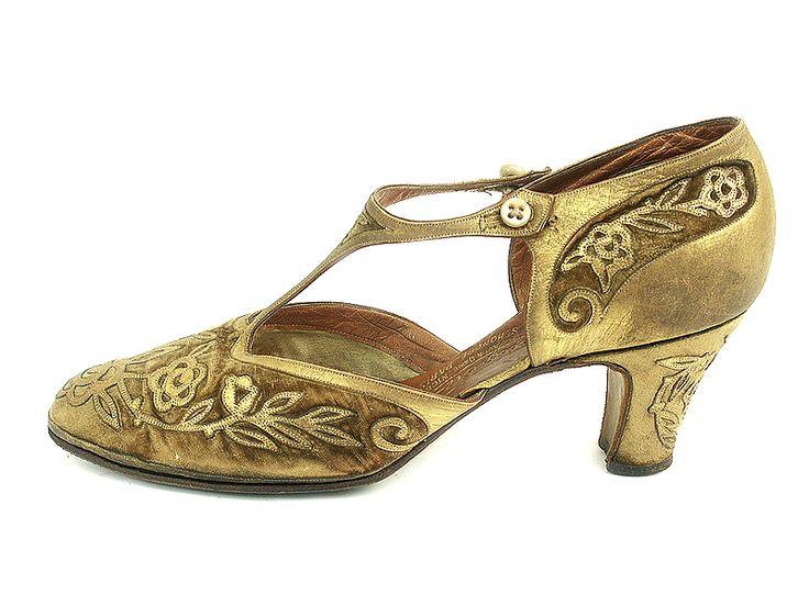 Velvet and Gold, T-Strap Evening Pumps, 1920'sGold Kids, 1920S Shoes, André Perugia, 1920Spresent Fashion, Vintage Shoes, 1920 S 1920S, Velvet Pump, Kids Overlay, Gold Shoes