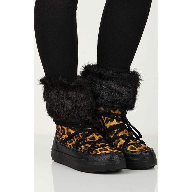 Stay warm & in style with the Lodgepoint booties  Available in store & online  http://bit.ly/2BZgCD0