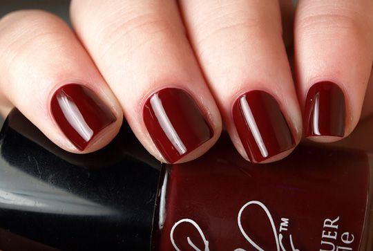 7 steps to a perfect DIY manicure: Salons Perfect, Makeup Contours, Dark Red Nails, Nails Colors, Perfect Nails, Perfect Manicures, Beautiful Tips, Beautiful Blog, Manicures Tips