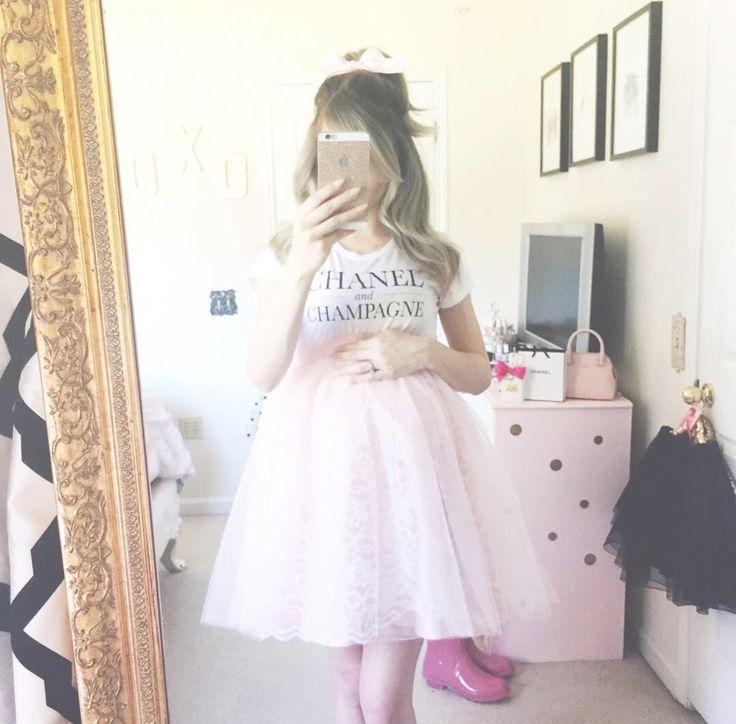 The Best Feminine Styles of Instagram From October ... Girly Blog Instagram