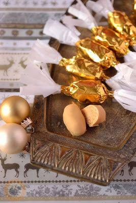 Sósmogyorós-karamellizált fehér csokis szaloncukor