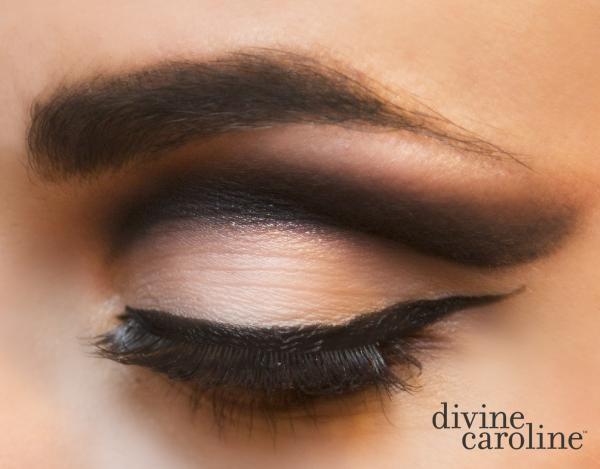 How to Get the Look: Cut Crease Tutorial | Divine Caroline