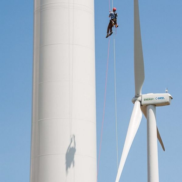 Rope climbing (or belaying) from a 3 MW Alstom from Energy.