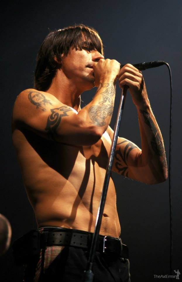 Anthony Kiedis..... My all time fav!!!! RHCP