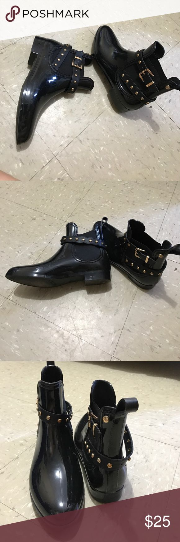 Short black rain boots  ☔️ Stylish rain boots with gold around the strap. Used twice. The boots are in good condition. Henry Ferrera  Shoes Winter & Rain Boots