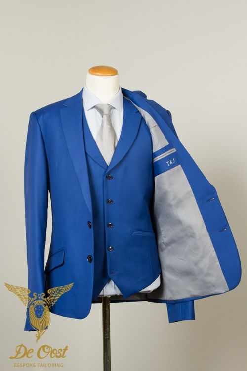 Bespoke tailored Royal Airforce Blue Waistcoat, part of a Royal Airforce Blue 3 Piece Wedding Suit. #Bespoketailoring in #Amsterdam.  Handgemaakt Blauw Vest, Gilet maakt deel uit van 3 Delig Blauw Trouw Kostuum. #Kleermaker in #Amsterdam  #maatpak