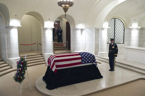 Frank Buckles died 2011 at age 110. Last veteran of WWI to pass away and is at Arlington National Cemetery.