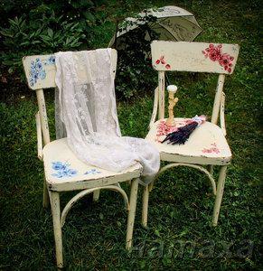Старые-новые-старые стулья.