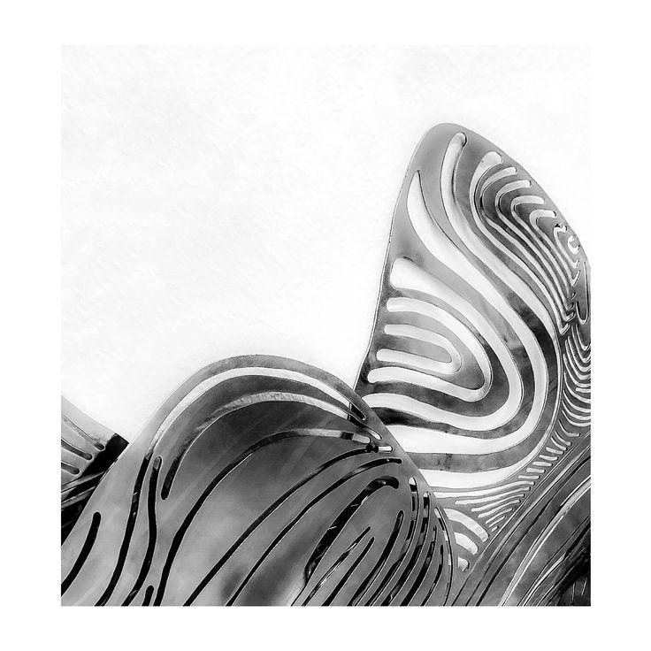 ➕ M A R I A  B O N O M I Extrait de l'installation  - Le Pont aux Eaux Solides -  2011 aluminium 39 x 60 cm signé & numéroté (pièce rare)  actuellement exposé à la Galerie du Griffon et ce jusqu'au 14 octobre __________________________________@photographie|©alineK #photographie|©alineK