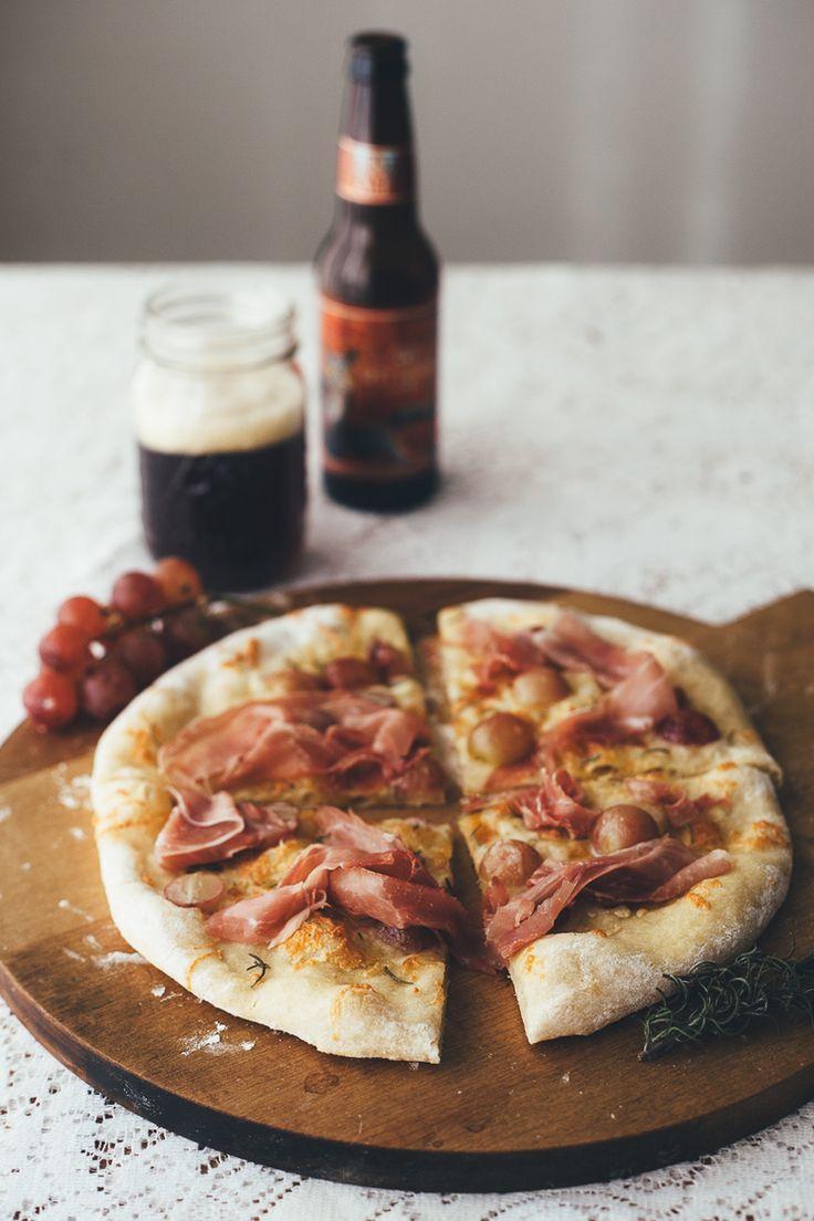 Prosciutto and grape pizza