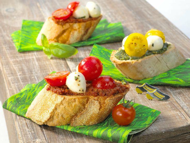 Tomaten-Mozzarella-Pesto-Schnittchen