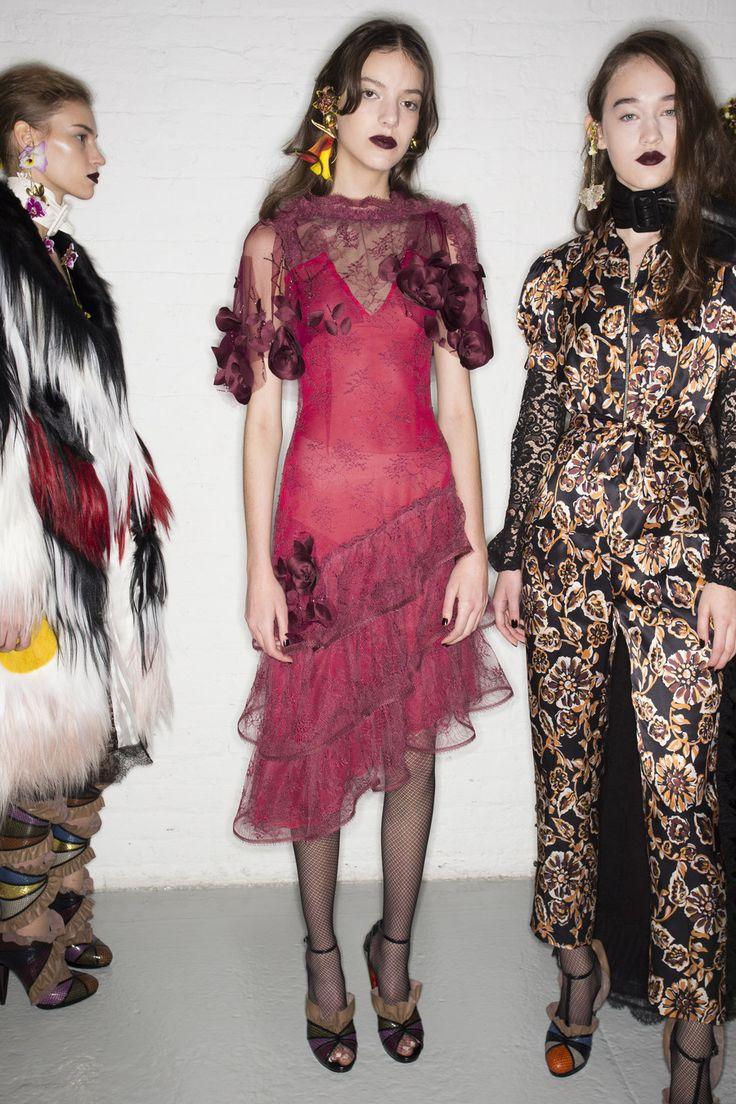 Rodarte Fall 2016 Ready-to-Wear Beauty Photos - Vogue