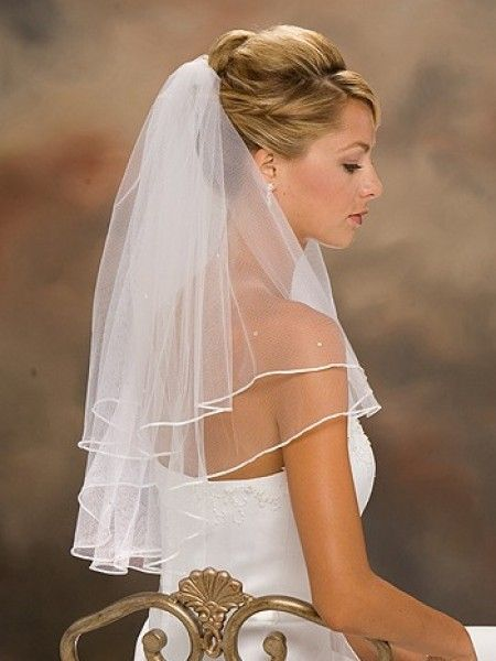 Classsic Elbow Wedding Veil With Pencil Edge Updo Womens
