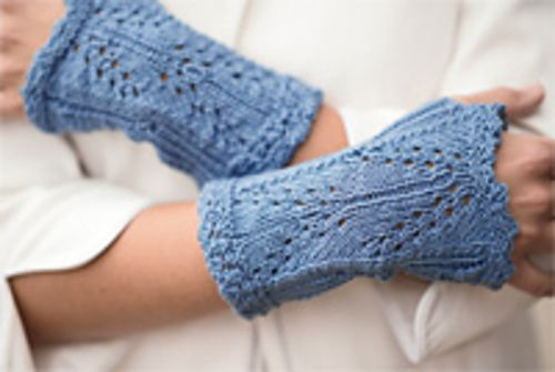 Ravelry: Bromley Mitts pattern by Jill Wolcott- free #knitting pattern for fingerless gloves
