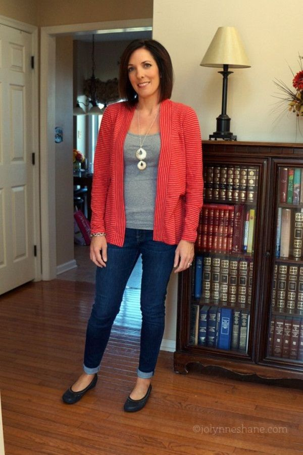 35 Casual Outfits For Women Over 40   http://stylishwife.com/2015/01/casual-outfits-for-women-over-40.html