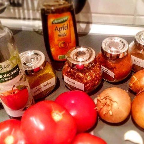 Heute machen wir #Ketchup selber... Zuerst können die ganzen #Zutaten auf den Tisch 😉