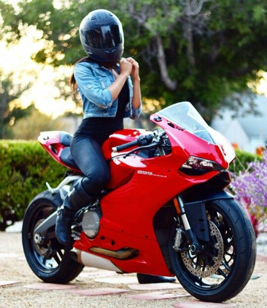 Ducati 899 Panigale.  Biker Babes!