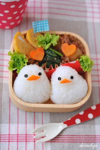 Kyaraben (or chara-ben), a shortened form of character bento |  文鳥弁当。